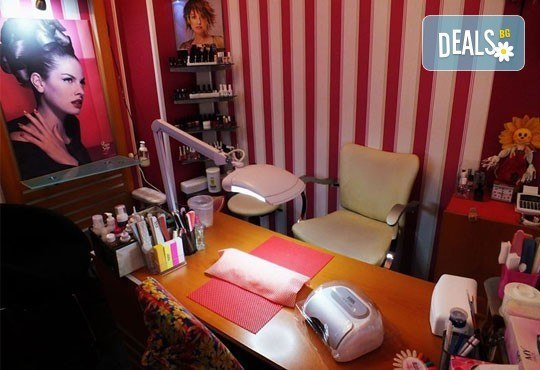 Извайте тялото си с 40-минутен мануален антицелулитен масаж на всички засегнати зони - 1 или 5 процедури в салон Голд Бюти! - Снимка 4