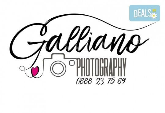Професионална фотосесия за бебета в студио с 35 обработени кадъра с красиви декори и аксесоари от GALLIANO PHOTHOGRAPHY! - Снимка 20