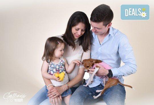 Семейна и детска фотосесия в студио GALLIANO с 35 обработени кадъра от GALLIANO PHOTHOGRAPHY! - Снимка 1