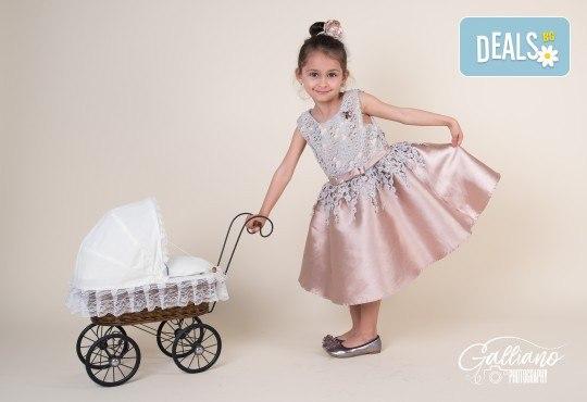Семейна и детска фотосесия в студио GALLIANO с 35 обработени кадъра от GALLIANO PHOTHOGRAPHY! - Снимка 9