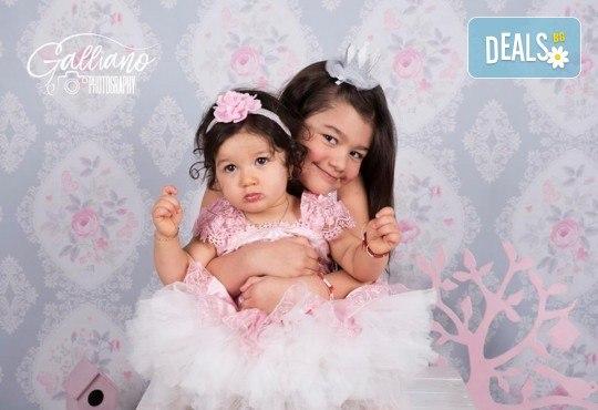 Семейна и детска фотосесия в студио GALLIANO с 35 обработени кадъра от GALLIANO PHOTHOGRAPHY! - Снимка 13