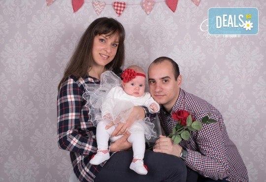Семейна и детска фотосесия в студио GALLIANO с 35 обработени кадъра от GALLIANO PHOTHOGRAPHY! - Снимка 14