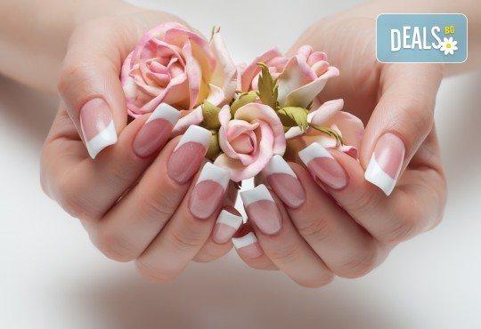 Класически или френски маниюр с гел лак Cuccio или Blue Sky, 2 красиви декорации, СПА терапия за ръце, включваща масаж и ексфолиант и сваляне на гел лак, в студио Beauty Vision! - Снимка 3