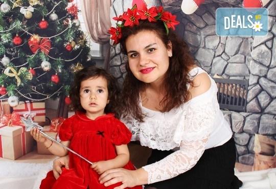 Подарете с любов! Семейна коледна фотосесия с 35 обработени кадъра от GALLIANO PHOTHOGRAPHY - Снимка 11