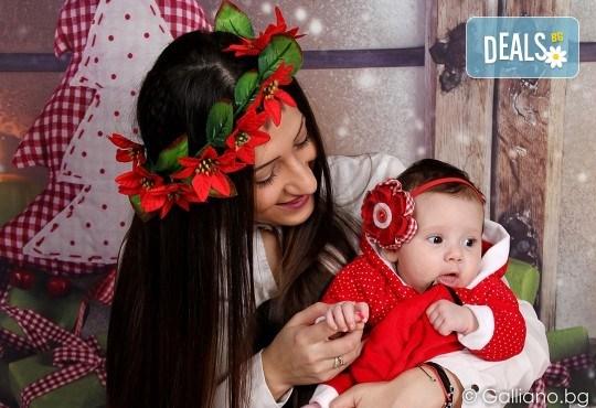 Подарете с любов! Семейна коледна фотосесия с 35 обработени кадъра от GALLIANO PHOTHOGRAPHY - Снимка 9