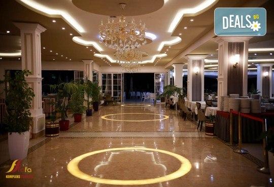 Нова Година във Fafa Premium Hotel 4+*. Дуръс, Албания! 3 нощувки със закуски и вечери, Новогодишна вечеря, транспорт и водач! - Снимка 4