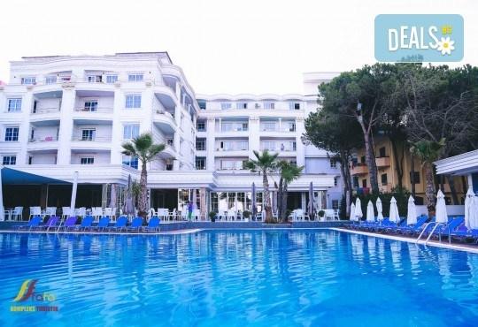 Нова Година във Fafa Premium Hotel 4+*. Дуръс, Албания! 3 нощувки със закуски и вечери, Новогодишна вечеря, транспорт и водач! - Снимка 7