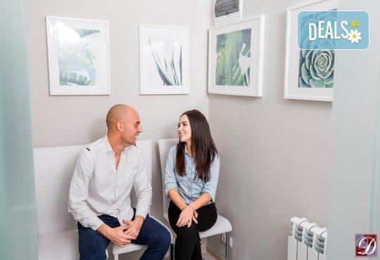 Обстоен дентален преглед, почистване на зъбен камък и зъбна плака с ултразвук и полиране с Air Flow в Deckoff Dental - Снимка 6