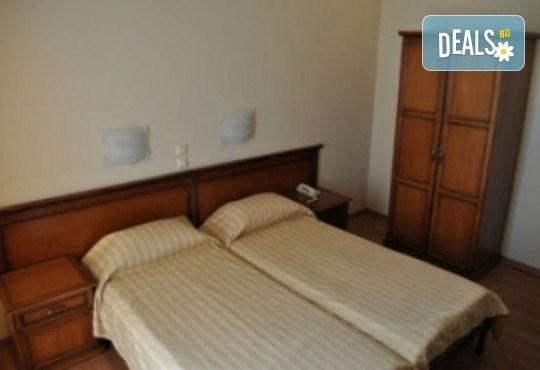 Нова година в Neffeli Hotel 2*, Кавала, Гърция! 2 нощувки със закуски, транспорт, водач и панорамна обиколка на Кавала - Снимка 7