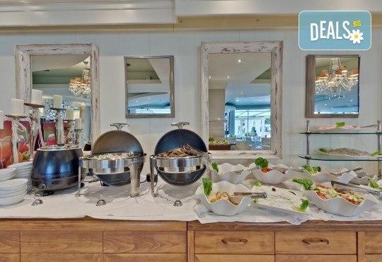 Коледа в Неа Каликратия, Халкидики! 3 нощувки със закуски и 1 празнична вечеря в Secret Paradise Hotel & SPA 4*, транспорт и програма - Снимка 4