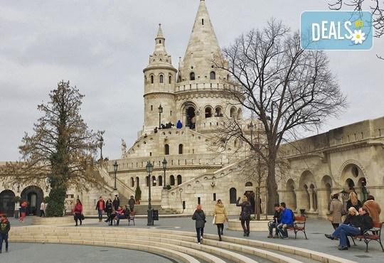 Коледна магия в Будапеща, Унгария! 2 нощувки със закуски, транспорт, водач от агенцията и посещение на коледните пазари - Снимка 5