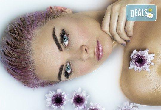 За страхотен обем! Поставяне на мигли косъм по косъм или 3D с руски обем в салон за красота Алма Морел - Снимка 2