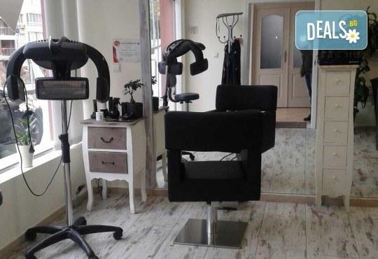 За страхотен обем! Поставяне на мигли косъм по косъм или 3D с руски обем в салон за красота Алма Морел - Снимка 8