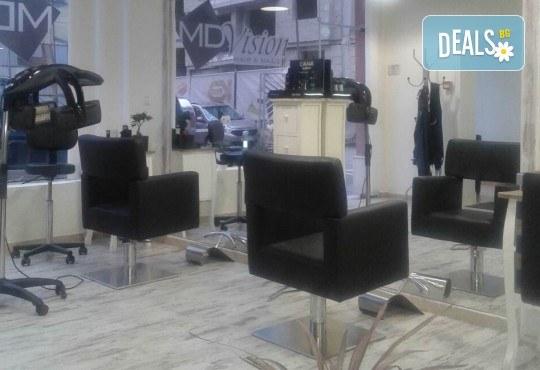 За страхотен обем! Поставяне на мигли косъм по косъм или 3D с руски обем в салон за красота Алма Морел - Снимка 11