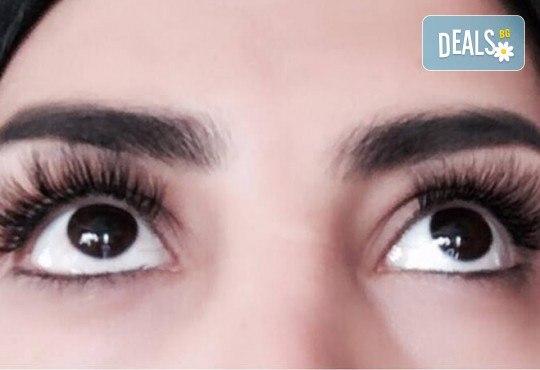 За пухкави и естествени мигли! Удължаване и сгъстяване чрез метода руски обем - 5, 6, 7D ефект с косъм от норка и 20% отстъпка от поддръжка от Hellan Beauty & Slim - Снимка 5