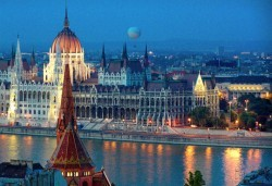 Осми декември в Будапеща, Унгария! 2 нощувки със закуски, транспорт, екскурзовод и бонус: посещение на Нови Сад! - Снимка