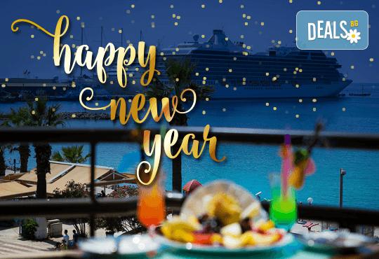 Нова година в Hotel Derici 4*, Кушадасъ, Турция! 4 нощувки със закуски и вечери, Новогодишна вечеря с неограничени напитки! Дете до 6 години - безплатно! - Снимка 1