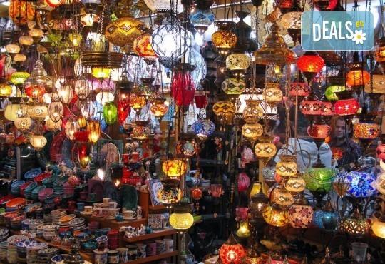 Предколеден шопинг за 1 ден в Одрин, Турция: транспорт, водач, застраховка и програма