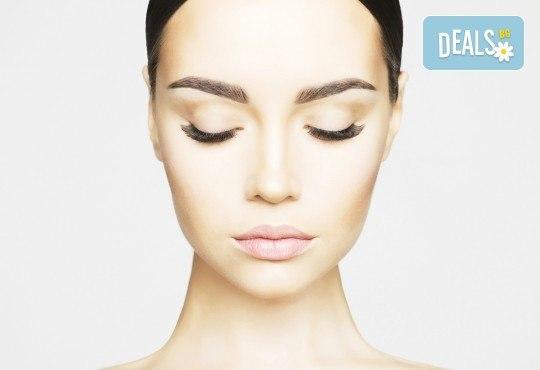 За съблазнителен поглед! Удължаване и сгъстяване на мигли - косъм по косъм, 3D или 5D - Russian Volume, с естествен косъм от норка в Studio Еxtravagant! - Снимка 3