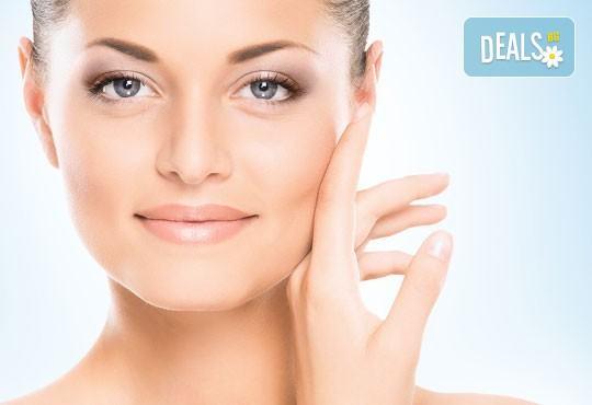 Диамантено микродермабразио за лице, хидратираща терапия, хиалуронов серум и ампула с колаген в салон за красота Теди! - Снимка 3