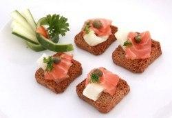 За Вашето събитие! 120 кетъринг хапки по избор с безплатна доставка в рамките на София от Best Party Catering! - Снимка