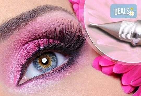 Най-новият писък в грима! Перманентен грим очна линия, тип омбре, за по-естествени и дълготрайни резултати в салон Sin Style - Снимка 1