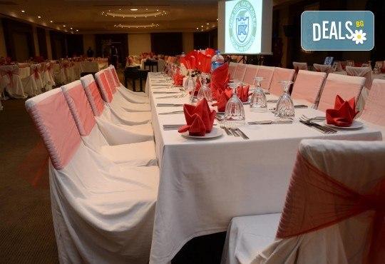 Посрещнете Нова година 2018 в луксозния Aria Claros Beach & Spa Resort 5*, Кушадасъ! 4 нощувки на база Аll inclusive и Новогодишна вечеря - Снимка 8