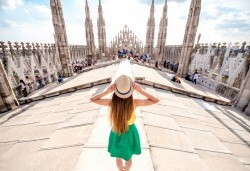 Вижте откриването на Карнавала във Венеция, Италия! 2 нощувки със закуски, самолетен билет и транспорт с автобус, посещение на Милано, Верона и Кавалино - Снимка