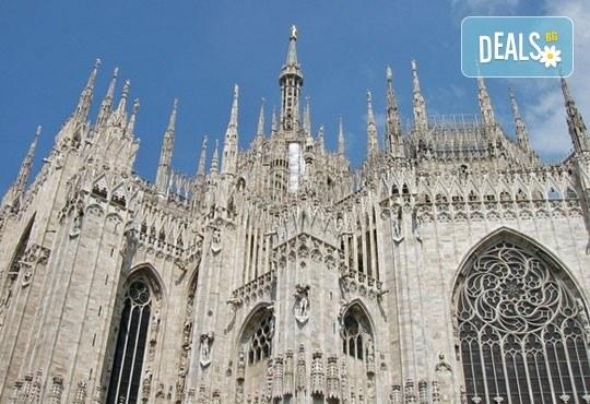 Вижте откриването на Карнавала във Венеция, Италия! 2 нощувки със закуски, самолетен билет и транспорт с автобус, посещение на Милано, Верона и Кавалино - Снимка 4