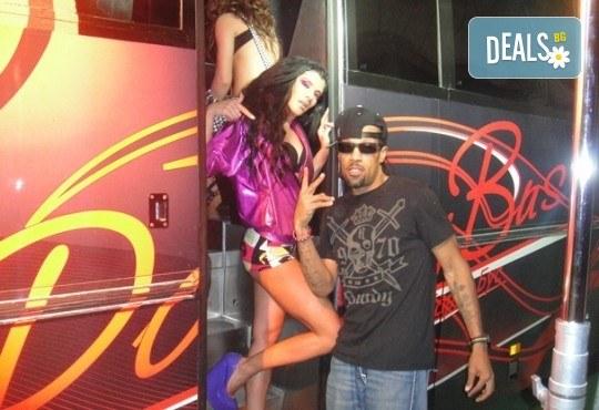 За ергенско, моминско или фирмено парти! Наем на Party Bus за 1 или 2 часа, еротично денс шоу, алкохол и безалкохолни напитки - Снимка 6
