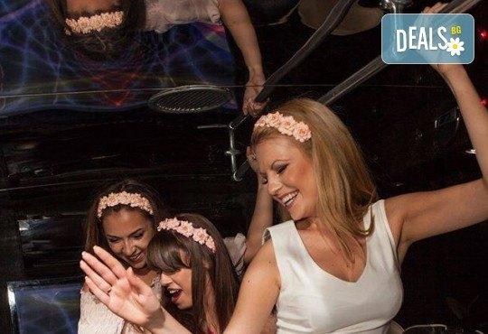 За ергенско, моминско или фирмено парти! Наем на Party Bus за 1 или 2 часа, еротично денс шоу, алкохол и безалкохолни напитки - Снимка 8