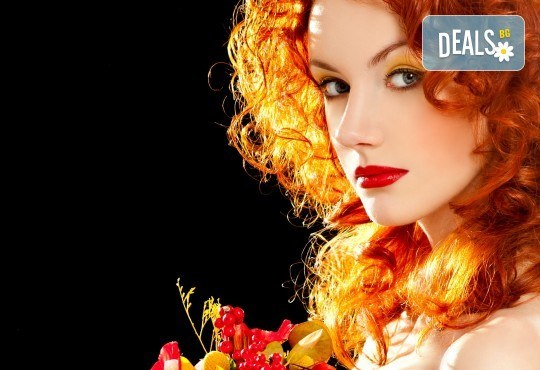 Есенна терапия за коса с дарсонвал срещу косопад и пърхут и оформяне на прическа по избор от Женско царство! - Снимка 1