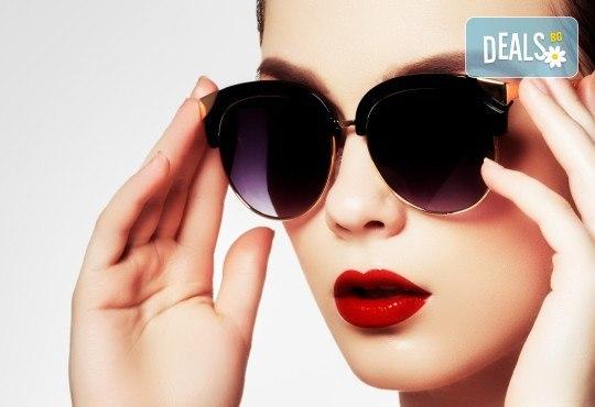 Сексапилни устни или изглаждане на бръчки с американски хиалуронов филър и ултразвук в салон за красота Женско царство - Център /Хасиенда/! - Снимка 1