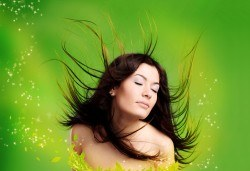 За красива и здрава коса - скенер диагностика и препоръчване на терапия в Женско царство! - Снимка