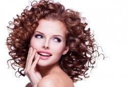 Нов цвят на косата! Боядисване с боя на клиента, масажно измиване и подсушаване в салон за красота Виктория - Снимка