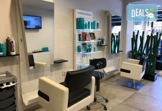 Релаксирайте и се избавете от стреса с 60-минутен масаж на цяло тяло в Art Hair Galerie - Снимка 3