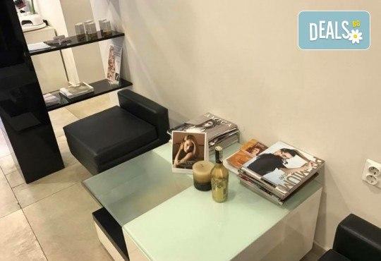 Пренесете се в страната на сънищата с масаж на гръб с топла ароматна свещ в Art Hair Galerie - Снимка 8