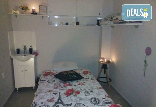 Пренесете се в страната на сънищата с масаж на гръб с топла ароматна свещ в Art Hair Galerie - Снимка 9