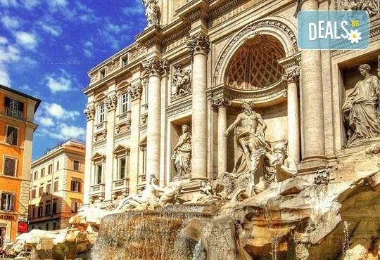 Отпразнувайте мечтания Свети Валентин в Рим! 3 нощувки със закуски в хотел 2*, самолетен билет, летищни такси, трансфери, застраховка и водач - Снимка 12