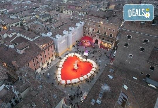 Самолетна екскурзия за Свети Валентин 2018 до Верона и Венеция! 3 нощувки със закуски в хотел 2/3*, самолетен билет, летищни такси и водач - Снимка 6