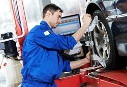 Ексклузивна цена за смяна на 2 гуми: монтаж, демонтаж, баланс и тежести - по избор от Автоцентър NON-STOP - Снимка