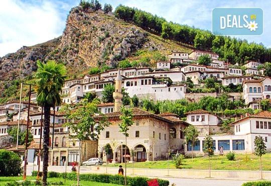 Майски празници, екскурзия до Албания с Глобал Тур! 2 нощувки със закуски в хотел 3*, транспорт, водач и програма в Дурас и Елбасан - Снимка 1