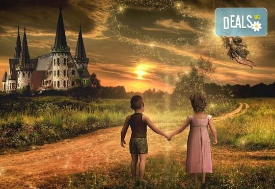 Куклен театър на 09.12. от 13:00ч. в замъка Влюбен във вятъра в Равадиново, сувенир, бутилка минерална вода и разходка из комплекса - за двама човека или 4-членно семейство - Снимка 3