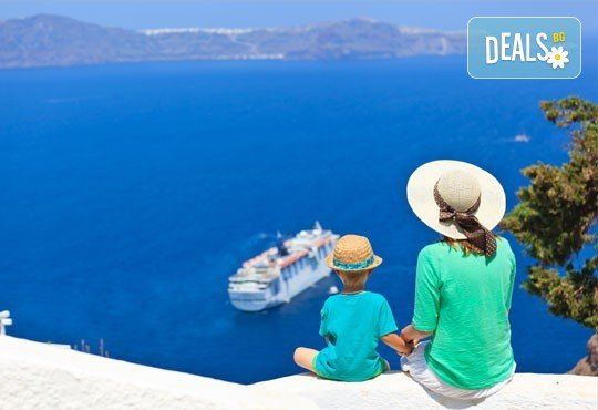 Ранни записвания за Великден на романтичния остров Санторини! 4 нощувки със закуски, транспорт, фериботни такси и билети - Снимка 3