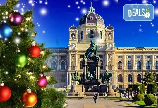 Преди Коледа в Будапеща и Виена: 2 нощувки със закуски, транспорт и водач