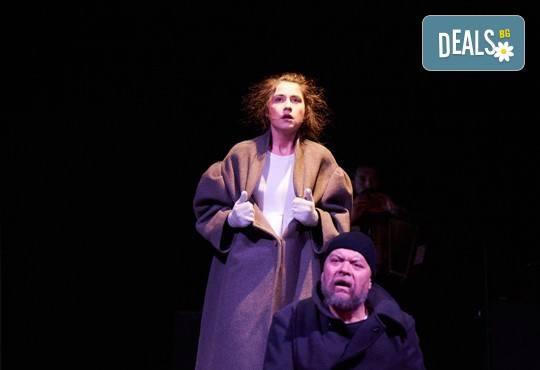 На театър! Гледайте Човекът, който искаше на 6-ти декември (сряда) в МГТ Зад канала! - Снимка 5