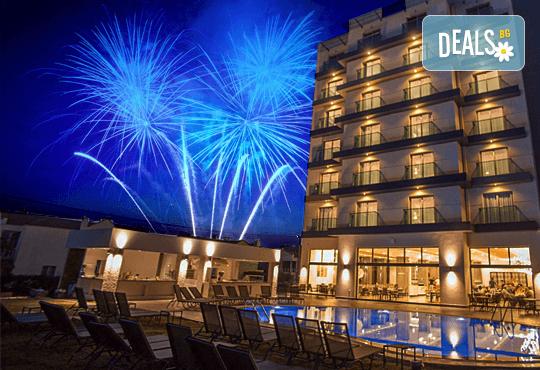 Посрещнете Нова година 2018 в 4 звездния Musho Otel 4*, Айвалък! 4 нощувки на база Аll inclusive, възможност за транспорт - Снимка 1
