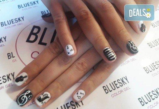 Любов към музиката! Маникюр за музиканти с гел лак BlueSky + 10 рисувани декорации в стил черно и бяло от Miss Beauty! - Снимка 5