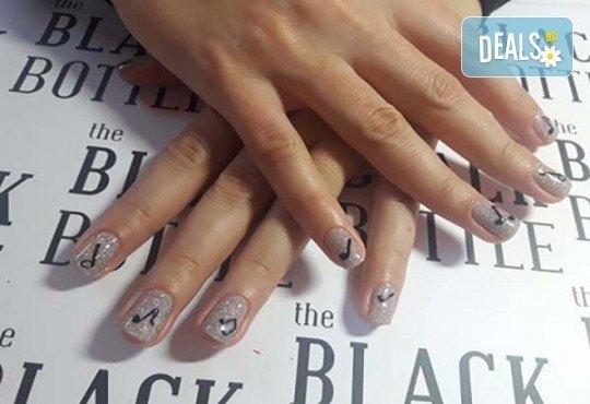 Любов към музиката! Маникюр за музиканти с гел лак BlueSky + 10 рисувани декорации в стил черно и бяло от Miss Beauty! - Снимка 4