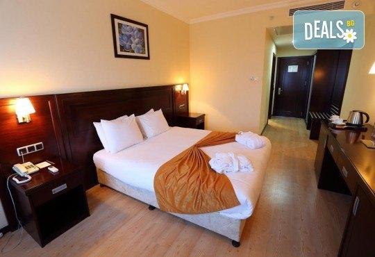 Последни места за Нова година в Eser Diamond Hotel 5*, Силиври, Турция! 2 нощувки с 2 закуски, 1 стандартна и 1 празнична вечеря, празнична програма и ползване на СПА! Безплатно за дете до 3 години! - Снимка 3
